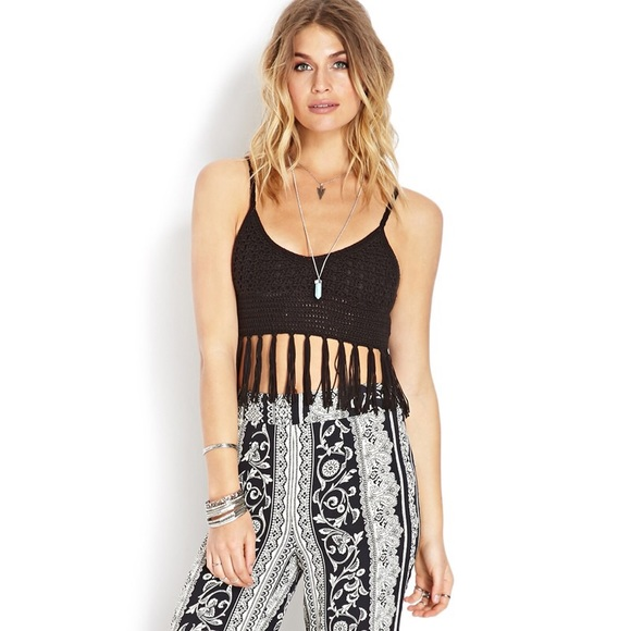 e0b2c0eb5a0d35 Forever 21 Tops - Forever 21 Crocheted Tassel Crop Top